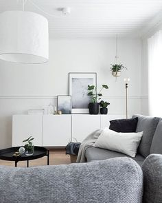 Add Life To Your House With A Bit Of Decor Tips Are you currently living at home for a long time or possibly is a new living environment to suit your needs? Living Room Grey, Living Room Interior, Home Interior, Home And Living, Living Room Furniture, Living Room Decor, Interior Design, Simple Interior, Living Room Designs