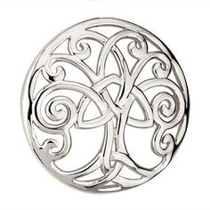 Or I would get this design on my wrist for both my family and Irish hertiage #FamilyTattooIdeas