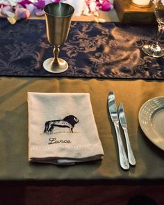 These personalized napkins weren't just part of this Africa wedding's place settings—guests took them home as favors. They were locally hand-embroidered with each person's name, plus an image of a lion. Destination Wedding Favors, Creative Wedding Favors, Elegant Wedding Favors, Wedding Ideas, Wedding Newspaper, Chocolate Wedding Favors, Cactus Wedding, Cheap Favors, Personalized Napkins