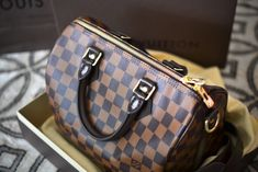The Top 3 Louis Vuitton Handbags That You Must Have Pouted Online Magazine Latest Design Trends Creative Decorating Ideas Stylish Interior Designs Gift Ideas Louis Vuitton Speedy 30, Louis Vuitton Handbags, Western Purses, Latest Design Trends, Lucky Girl, Best Bags, Big Fashion, Fashion Trends, Giveaway