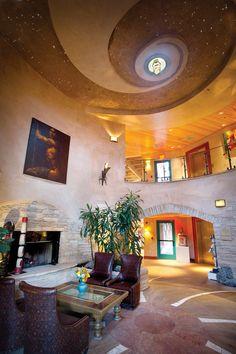 El Monte Sagrado Foyer