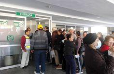 Evacuan personal y pacientes del IMSS debido a un corto circuito que se registro al interior.