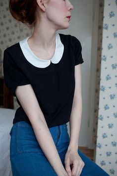Vintage blouse peter pan collar and high-waisted pants.