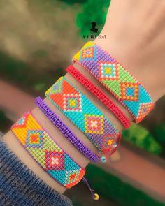 Loom Bracelet Patterns, Bead Loom Bracelets, Loom Patterns, Loom Beading, Seed Beads, Beaded Jewelry, Jewelery, Crafts, Bracelets