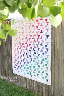Lombard Street in Crayon Box Basics by Sassafras Lane Designs Quilting Projects, Quilting Designs, Sewing Projects, Quilting Ideas, Art Projects, Paper Piecing Patterns, Quilt Patterns, Pattern Fabric, Fabric Design