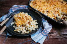 """I am really of the type """"gratin"""". Seasoned chicken, cooked vegetables, creamy sauce and egg noodles . The kind of dish that speaks to me! A bit long to Sauce Crémeuse, Italian Spices, Cauliflower Cheese, Egg Noodles, Creamy Sauce, Chicken Seasoning, Genre, Point, Green Beans"""