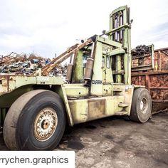 #Repost @terrychen.graphics with @repostapp.  Heavy machine...