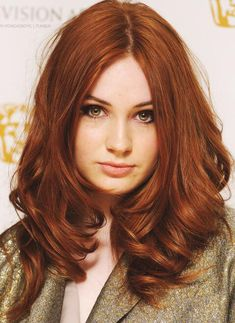"""Auburn hair color is a variation of red hair color but is more brownish in shade. Just like the ombre,Read More Flattering Auburn Hair Color Ideas"""" Hair Color Auburn, Red Hair Color, Cool Hair Color, Color Red, Red Hair Shades, Fall Auburn Hair, Deep Auburn Hair, Red Hair For Cool Skin Tones, Colorful Hair"""