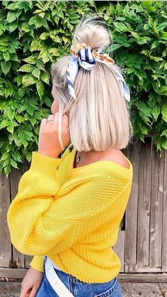 Bre Sheppard: Hair Inspo / Hair Scarf / Short Hair / Blonde / Urban Outfitters / Inspo Informations Short Hair Blond, Hairdos For Short Hair, Scarf Hairstyles Short, Ideas For Short Hair, Outfits With Short Hair, Summer Short Hair, Short Curled Hair, Headband Hairstyles, Summer Hairstyles