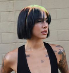 Such a creative way of switching to a short, classic cut that gives a breeze on your neck. Be a trendsetter, wearing this straight bob cut with neon green roots! Hair Inspo, Hair Inspiration, Colored Hair Roots, Hot Hair Colors, Two Color Hair, Zeina, Look Girl, Grunge Hair, Goth Hair