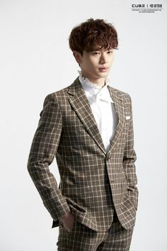 "BTOB 10th Mini Album ""Feel'em"". Jacket shooting scene by Naver . Yeok SungJae"