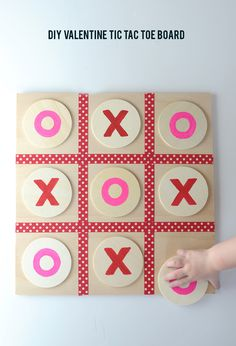 DIY Valentine Tic Tac Toe Board on aliceandlois.com