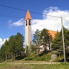 Enontekiön kirkko kesäkuussa 2007.