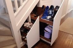 understairs storage Under Stairs Hidden Storage Drawers: 15 Steps (with Pictures) Staircase Storage, Stair Storage, Wall Storage, Hidden Storage, Storage Drawers, Storage Ideas, Staircase Design, Closet Storage, Set Of Drawers