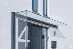 Detailansicht der Glaskanten des Vordachs Duravento