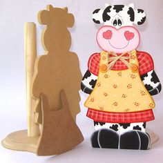Porta papel Small Woodworking Projects, Wooden Projects, Wood Crafts, Diy And Crafts, Paper Crafts, Arts And Crafts, Transfer Images To Wood, Cow Ornaments, Sweet Cow