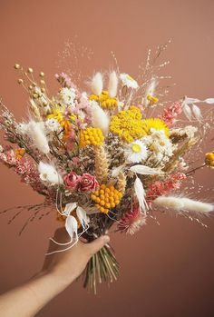 Colouring Dried Flowers Inspirational Currently Obsessed with Dried Flowers & Grasses Honestly Wtf Dried Flower Bouquet, Dried Flowers, Decoration Entree, Dried Flower Arrangements, Flower Aesthetic, Arte Floral, Flower Decorations, Flower Art, Planting Flowers