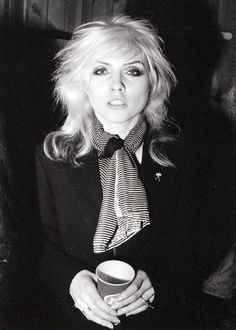 Ideas For Style Rock And Roll Girls Debbie Harry<br> Blondie Debbie Harry, Iconic Women, Famous Women, Rock And Roll Girl, Mazzy Star, Estilo Rock, Into The Fire, Rockn Roll, Blondies