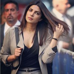 Priyanka rocks the formal look in this new picture from the sets of Quantico!! @pinkvilla  . . #pinkvilla #priyankachopra #peecee #quantico #onsets #bollywood #instapic #instalike #instacomment #instashare #instalook #instahot #hot #sexy #glam #style #fashion #stylefile #celebstyle #celebfashion #stylish #beauty #gorgeous #bollywoodfashion #fashionista #actress #instagood #star