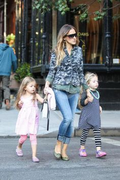 The one and only Sarah Jessica Parker in my Burrow Blazer from Spring. Xk #kellywearstler