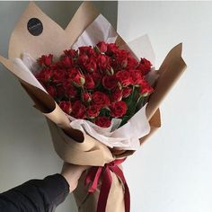 3 Different Shades of Rose Color Meaning to Help You Pick the Perfect Bouquet Boquette Flowers, Flower Boquet, How To Wrap Flowers, Dried Flowers, Beautiful Flowers, Bouquet Of Roses, Yellow Rose Bouquet, White Rose Flower, Gift Bouquet