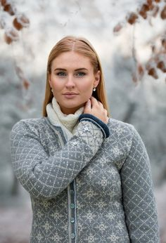 Ravelry: Stella Jacket pattern by Sidsel J. Knit Art, Fair Isle Pattern, Jacket Pattern, Crochet Yarn, Ravelry, Sweater Cardigan, Knitting Patterns, Anna, Sweaters