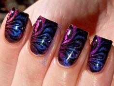 Ook leuk, holografische nagellak met een full cover stamp. #nails #nailart #nailpolish - repinned by http://www.naildesignshop.nl