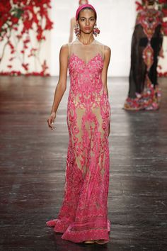 Runway #style: LOVING the intricate details in Naeem Khan's vintage Mediterranean collection