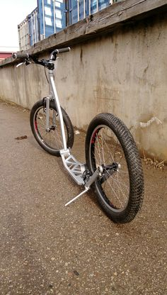 Perets - handcrafted footbike