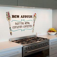 Vinilo decorativo para colocar en la cocina con la frase, barriga llena corazón contento.