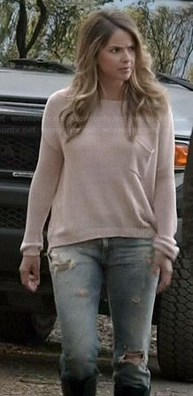 Malia's light pink knit sweater and ripped jeans on Teen Wolf.  Outfit Details: http://wornontv.net/35566/ #TeenWolf