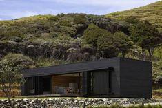 New Zealand Storm House...10 Modern Houses Gone to the Dark Side Gardenista