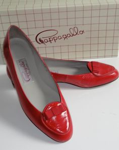 Pappagallo shoes, I had a pair just like this a bazillion years ago. I would wear them again.
