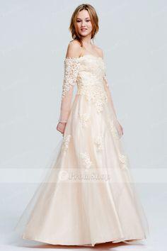 A saga dos vestidos para o baile de finalistas continua - Moda & Style