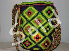 WAYUU BAG Tapestry, Diy Crafts, Backpacks, Pattern, Bags, Inspiration, Design, Fashion, Ethnic Bag