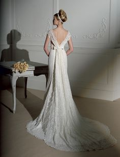 Google Image Result for http://static.i-weddingdresses.com/iwdress/2010/12/kuwait-wedding-dresses-4.jpg