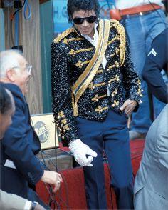 Hollywood Walk of Fame presents Michael Jackson