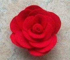 Relasé: Come fare una spilla di feltro a forma di rosa - passo dopo passo