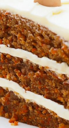 I love carrot cake! - KB Incredible Carrot Cake with Cream Cheese Frosting ~ Simply classic, good old fashioned Carrot Cake. With luscious swoops of super creamy, perfectly sweet, (and stable) Cream Cheese Frosting, this cake is pretty much perfection Just Desserts, Delicious Desserts, Dessert Recipes, Yummy Food, Carrot Cake Recipes, Dinner Recipes, 3 Layer Carrot Cake Recipe, Carrot Cake Cupcakes, Old Fashioned Carrot Cake Recipe