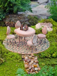 Fairy Garden Supplies: Fairy Garden Furniture Patio Set..M.T.: This is adorable and would go good with the Jar house you have to make and a bench? I think I saw on this site or Pinterest