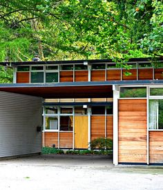 Max De Pree House designed in 1954, the Zeeland, Michigan home of Max De Pree—son of Herman Miller founder.