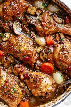 Coq au vin in a casserole dish Dutch Oven Recipes, Cooking Recipes, French Recipes, Easy Recipes, Braised Chicken, Crispy Chicken, Garlic Chicken, Healthy Chicken, Boneless Chicken