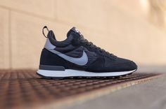 Nike-Internationalist-Mid-Black-Grey-White