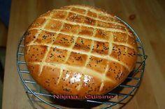 La meilleure recette de Pain turc! L'essayer, c'est l'adopter! 4.3/5 (6 votes), 13 Commentaires. Ingrédients: 500g de farine, 300ml de lait, 2 càc de levure, 1 pincée de sel, 1 càc de sucre, 3 càs d'huile, 1 oeuf pour la dorure, grains de sésame et/ou grains de pavot