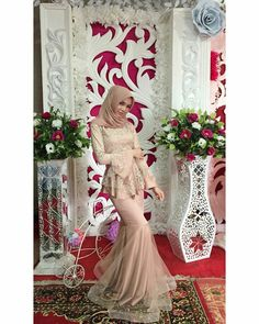 New Party Outfit Engagement Ideas Hijab Dress Party, Hijab Style Dress, Muslim Wedding Dresses, Muslim Dress, Wedding Party Dresses, Spring Dresses Casual, Casual Dress Outfits, Trendy Dresses, Kebaya Hijab