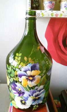 1 million+ Stunning Free Images to Use Anywhere Painted Glass Bottles, Glass Bottle Crafts, Wine Bottle Art, Painted Wine Glasses, Painted Vases, Glass Painting Designs, Recycled Wine Bottles, Bottle Painting, Free Images