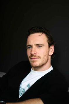News is reporting that Michael Fassbender and Alicia Viklander have gotten married in Spain last weekend. Interview Suits, Cherik, Film Images, Fiction Movies, James Mcavoy, Dapper Men, Tom Hardy, Michael Fassbender, Male Face