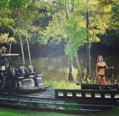 The SICKEST Bowfishing airboat around. #bowfishing #airboat #bikini www.bikinibowfishing.com