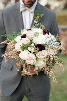 1920s Inspired Green and Gold Wedding Inspiration » Audrey Rose Photography, Blushing Blooms » Kelsey Ann Events