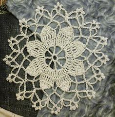 Vintage-inspired free #crochet doily pattern by Wendy M Anderson